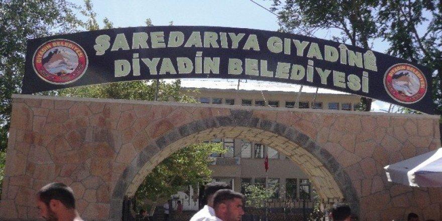 Kürtçe tabela Bakan Soylu'nun talimatıyla tekrar asıldı