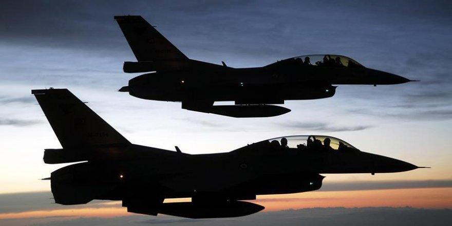 ABD Esed'in üssünü vurdu: 62 ölü