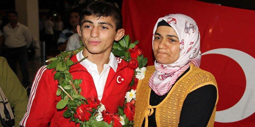 Türk sporculardan 1 gümüş, 3 bronz madalya