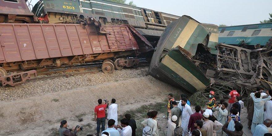 Pakistan'da tren kazası: 6 ölü, 100'ün üzerinde yaralı