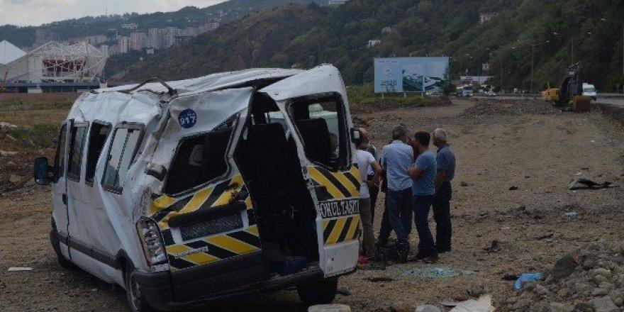 Trabzon'da bayram dönüşü trafik kazası: 12 yaralı