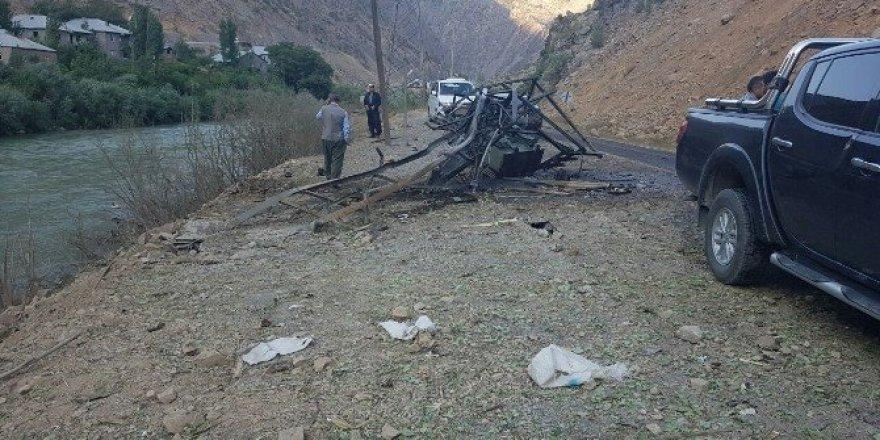 Hakkari'de bomba yüklü araç imha edildi