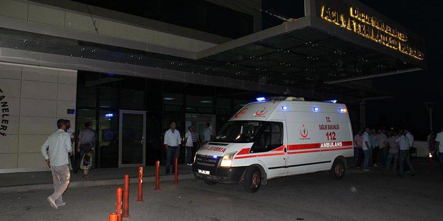 Diyarbakır'da tarlada çalışanların üzerine yıldırım düştü