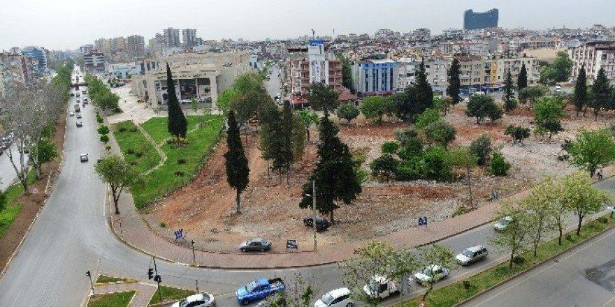 Muratpaşa'da eski gecekondu alanı parka dönüyor