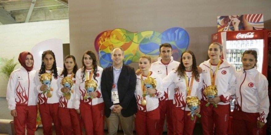 Bakan Çağatay Kılıç, Goalball Kadın Milli Takımı'nı kutladı