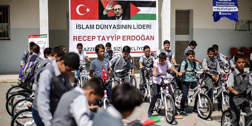 Türkiye'den Gazzeli çocuklara bisiklet hediyesi