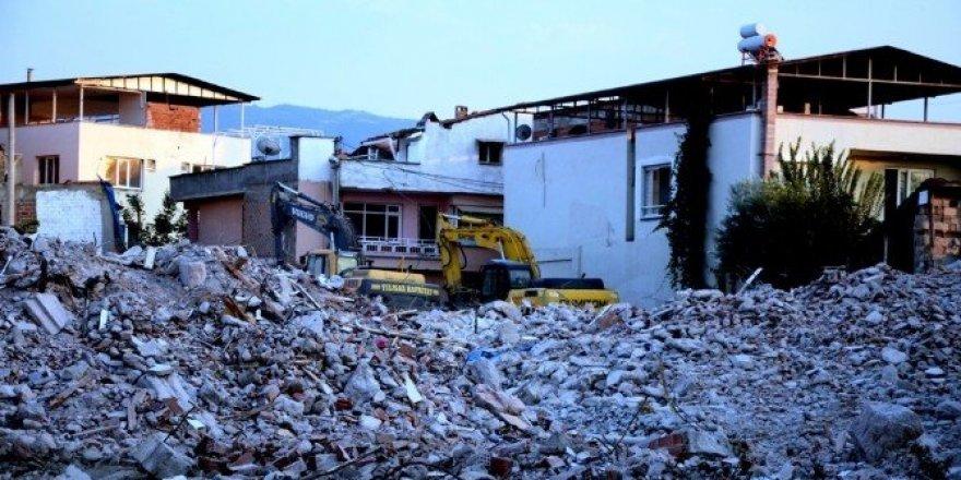 Fay hattındaki evlerin yıkımı sürüyor