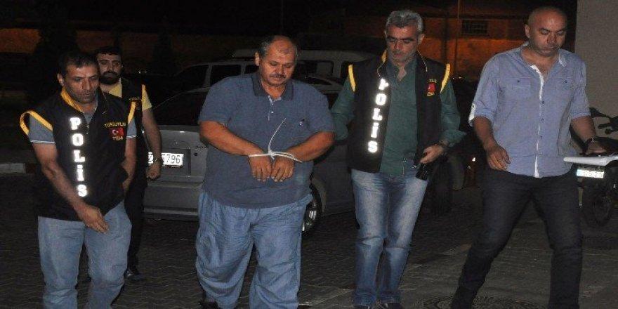 Adil Öksüz'ün hocası Paris'e kaçarken yakalandı