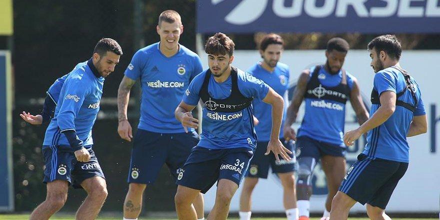 Fenerbahçe ilk galibiyet peşinde