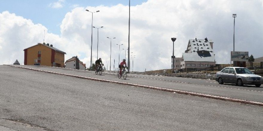 Erciyes'te yaz mevsimi dolu dolu geçti