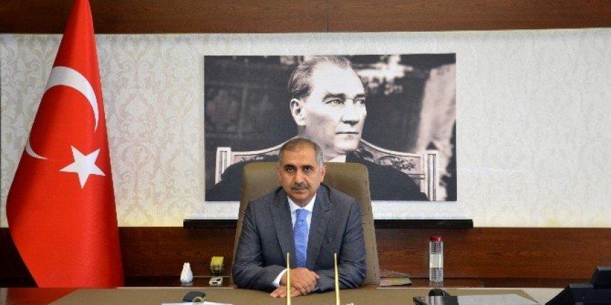 Vali Koçak, TOBB yönetimine seçilen AYTO Başkanı Ülken'i kutladı