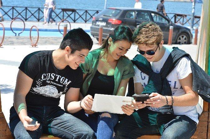 1,5 milyon İzmirlinin ücretsiz internet keyfi