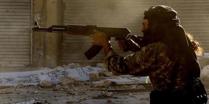 İran Devrim Muhafızları'ndan 12 milis Suriye'de öldürüldü