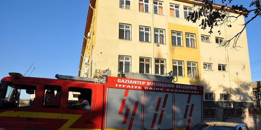Gaziantep'te okula molotofkokteylli saldırı