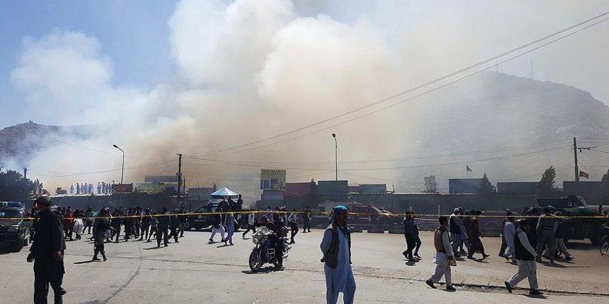 İş merkezinde yangın: 120 mağaza kül oldu