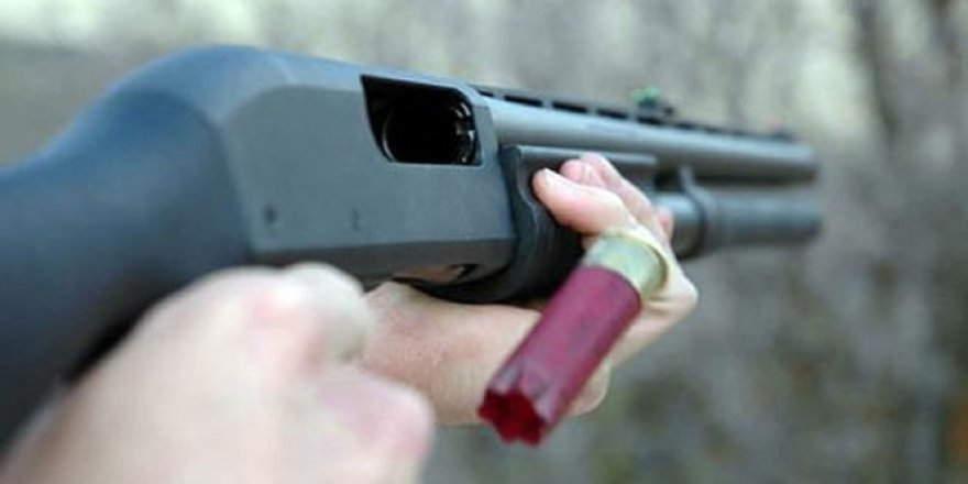 Tartıştığı muhtarı av tüfeğiyle vurdu