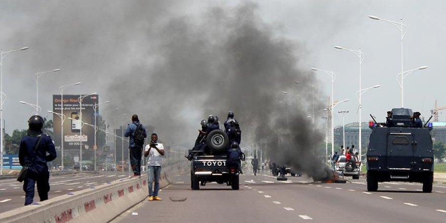 Göstericiler ile polis arasında çatışma çıktı:17 ölü