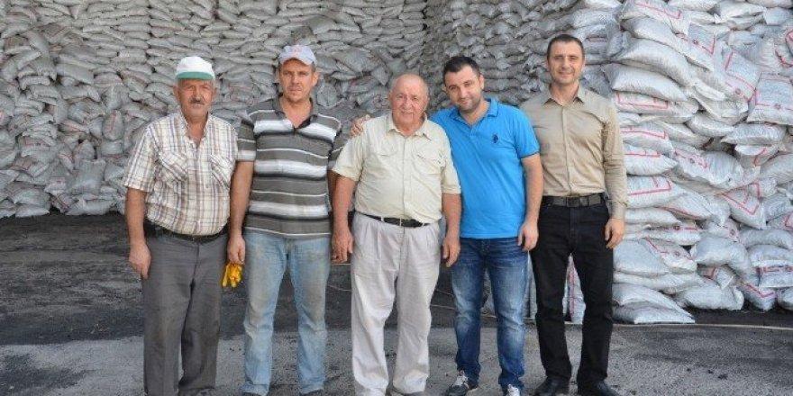 Somalı esnaf sigarayı bırakan işçilerine 100 TL prim veriyor