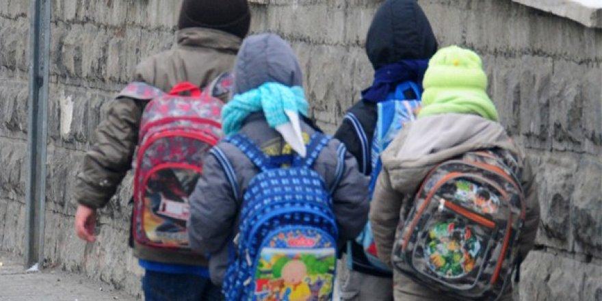 Okul çantalarının ağırlığına dikkat