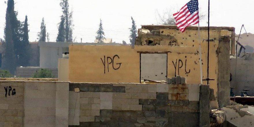 PYD binasındaki ABD bayrağı yerinde duruyor