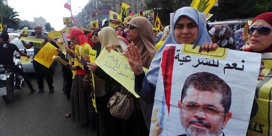 Mısır'da 27 kişiye hapis cezası verildi