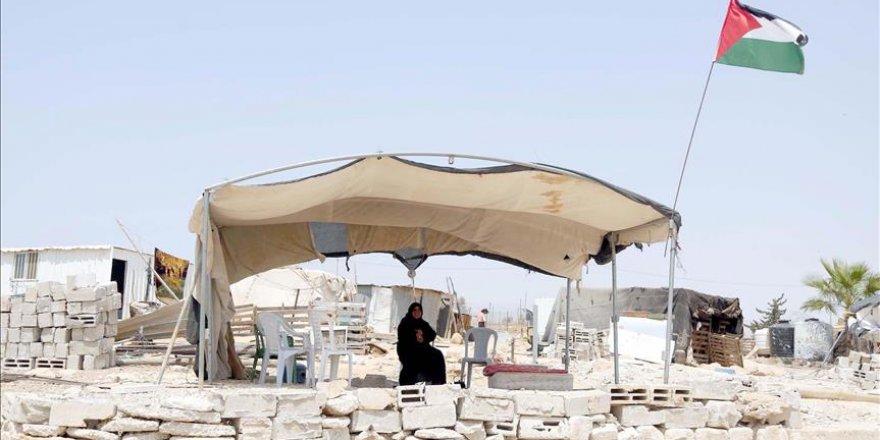 Evleri yıkılan Filistinliler İsrail'e tepki gösterdi