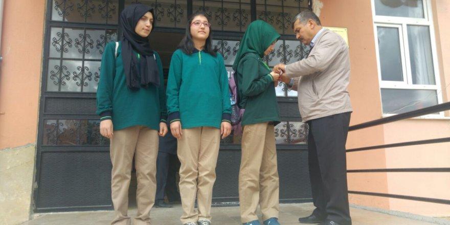 Fen Lisesini kazanan öğrenciler altınla ödüllendirildi