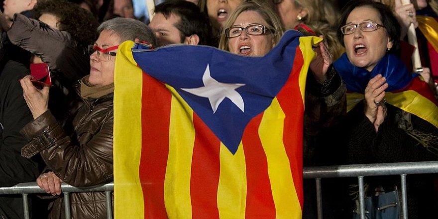 Katalonya kimlik kartı hazırlığına başladı