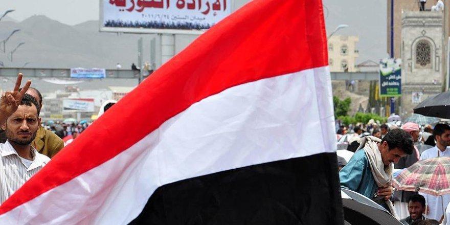 Yemen hükümeti Aden'e döndü