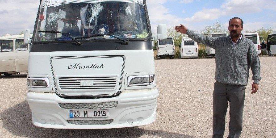 Elazığ'da minibüse saldırı