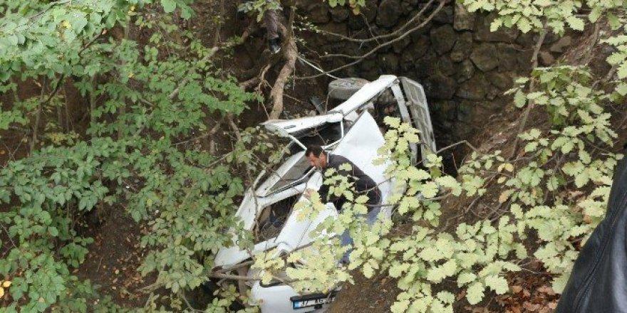 Şanlıurfa'da minibüs devrildi: 3 yaralı