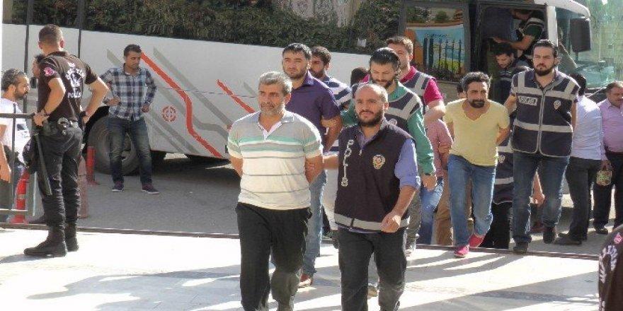 FETÖ'den Sakarya'da 39 gözaltı