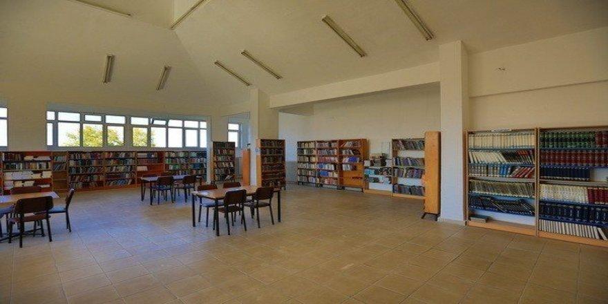 Ağustos ayında kütüphaneyi 6 bin 179 okuyucu ziyaret etti