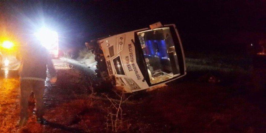 Konya'da midibüs devrildi: 2 ölü, 7 yaralı