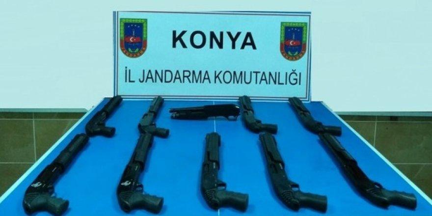Konya'da jandarmadan kaçak silah operasyonu