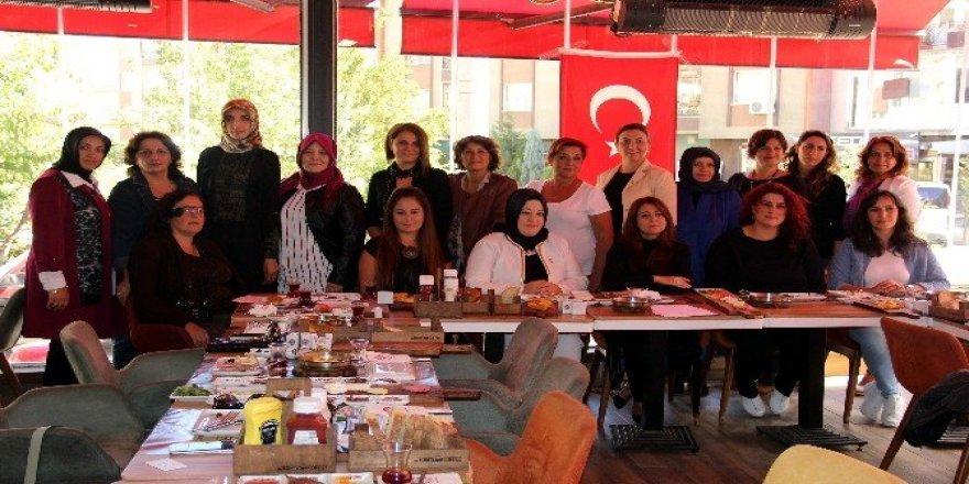 Güçlü Kadınlar Derneği'nde kongre heyecanı