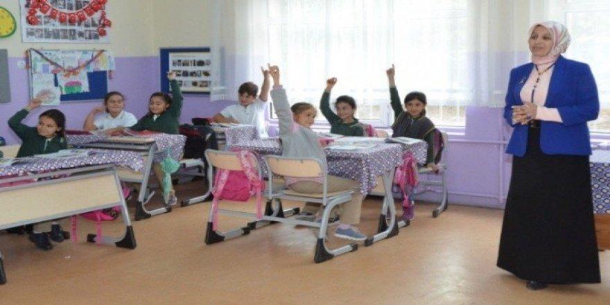 İl Milli Eğitim Müdürü Durmuş'un okul ziyaretleri devam ediyor
