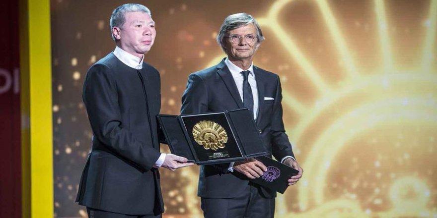 'Altın İstiridye' Çin'de sansürlenen filme verildi