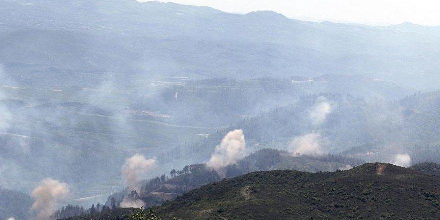 Suriye rejimi ve Rus jetleri Türkmendağı'na saldırıyor