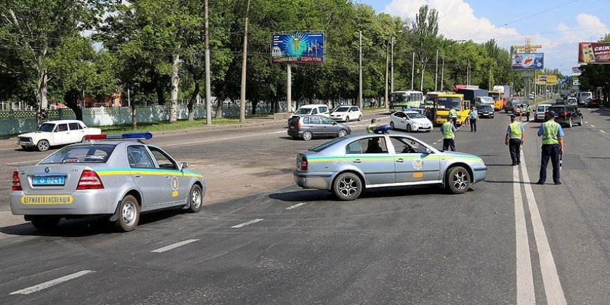 Trafik kurallarını ihlal eden sürücü 2 polisi öldürdü