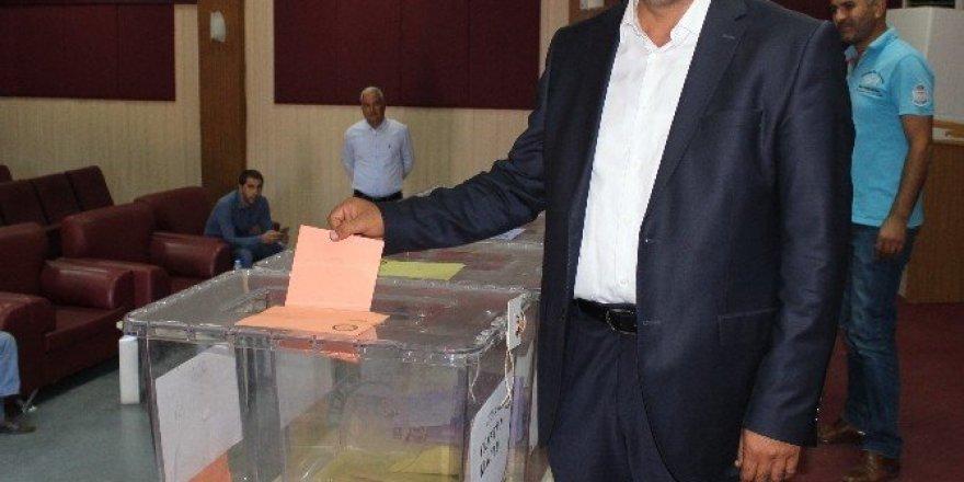 Veteriner Hekimler Odası Başkanı Orhan Öztürk oldu