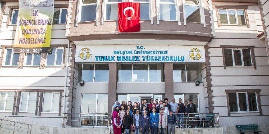 Yunak Meslek Yüksek Okulu eğitim öğretime başladı