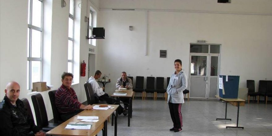 Bosnian Serbs pass illegal 'holiday' referendum