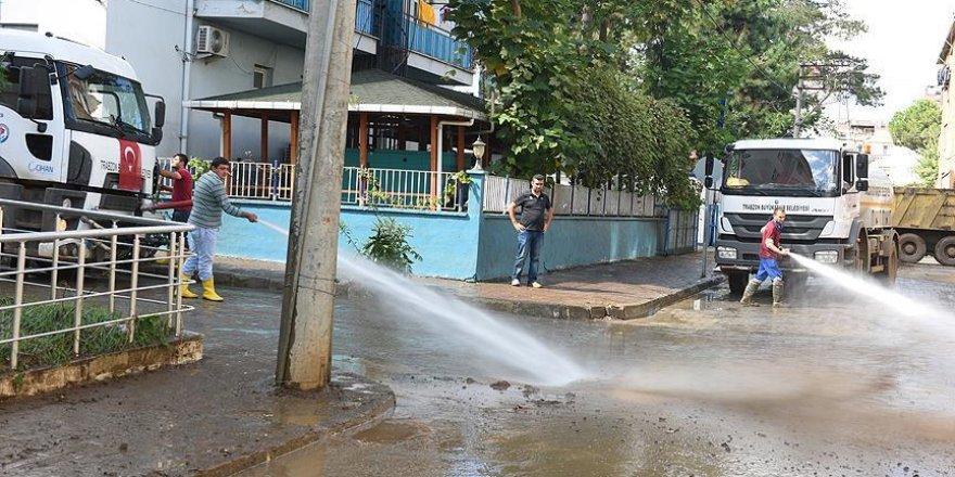 Trabzon'da selin izleri siliniyor