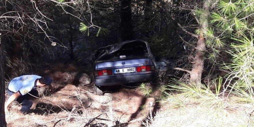 Köyceğiz'de otomobil şarampole devrildi; 4 yaralı