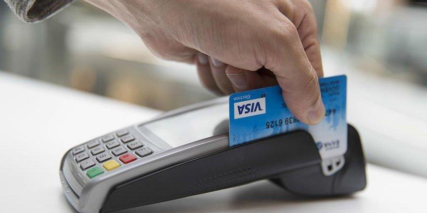 Kredi ve kredi kartı düzenlemeleri yürürlükte! 12 aya çıkarıldı