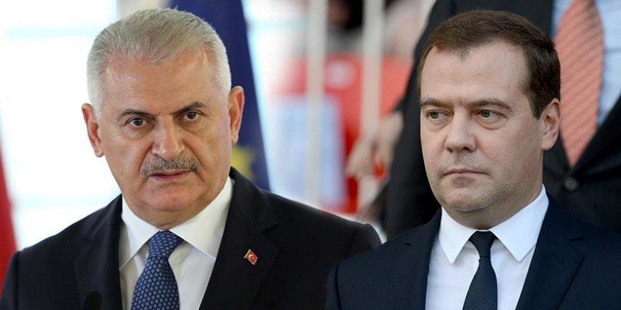 Yıldırım, Rusya Başbakanı Medvedev'le görüştü