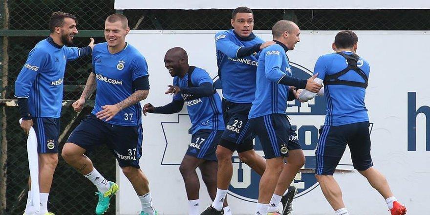Fenerbahçe'de Feyenoord maçı hazırlıkları sürüyor