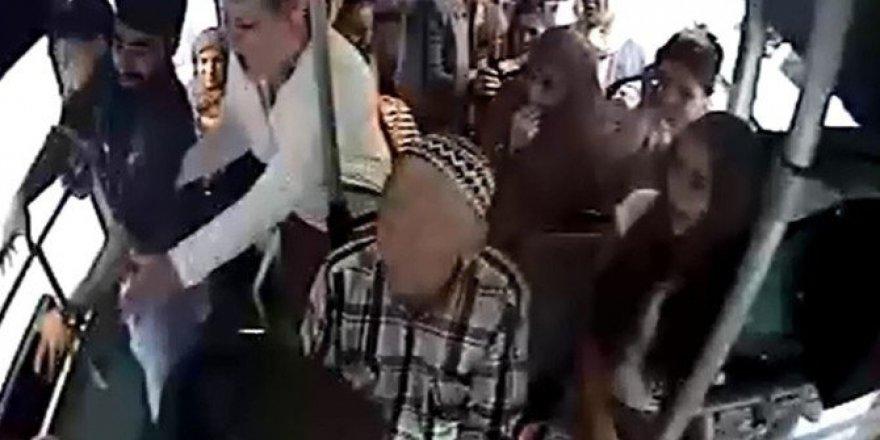 Halk otobüsünde bıçaklama kameralara yansıdı