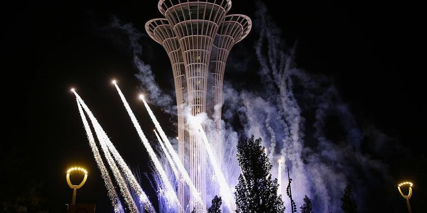 EXPO 2016 Antalya Kulesi'nde havai fişek gösterisi